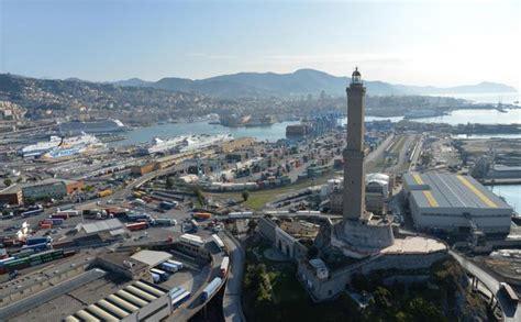 porto di genova partenze traghetti genova arrestato corriere in partenza per barcellona