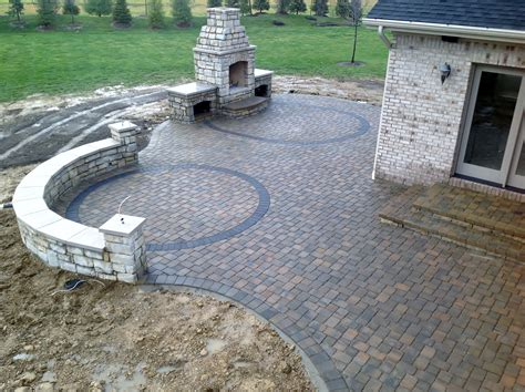 how to use pavers to make a patio paver patio seating wall outdoor