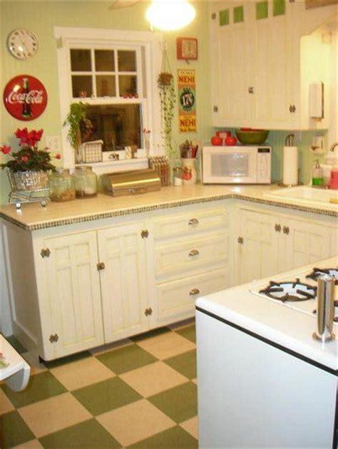 checkerboard kitchen floor 17 best ideas about checkerboard floor on