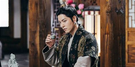 film terbaru hong jong hyun hong jong hyun talks about his makeup and jewelry for
