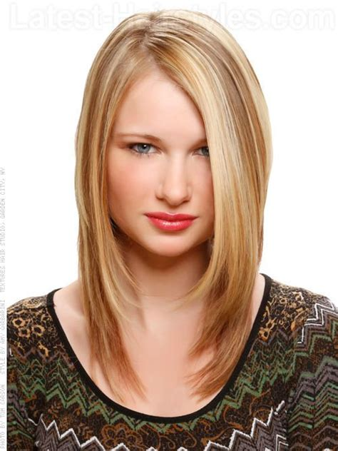 dramatic hair highlights hairs picture gallery face framing feathered style hairstyles pinterest