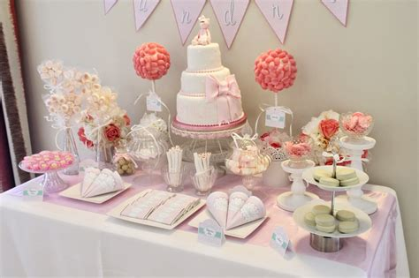 para bautizo compuesta por cuatro centros de flores de papel para mesa dulce sevilla bautizo sandra tarta chic