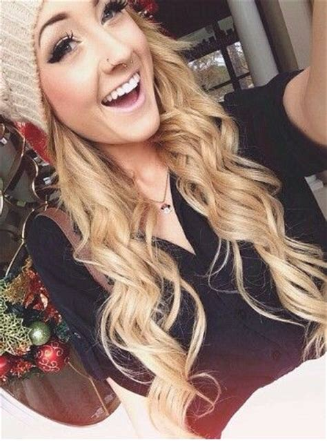 Aspen Mansfield : loving the beanie & wavy/curly hair   Hairstyles/Colors ? Outfits   Pinterest