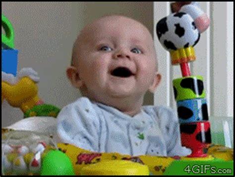 imagenes muy graciosas gif im 225 genes animadas de beb 233 s para enternecer en las redes