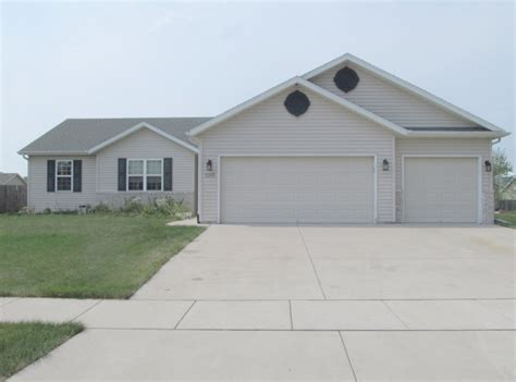 houses for sale edgerton wi newer 3 bedroom 3 car garage ranch in edgerton