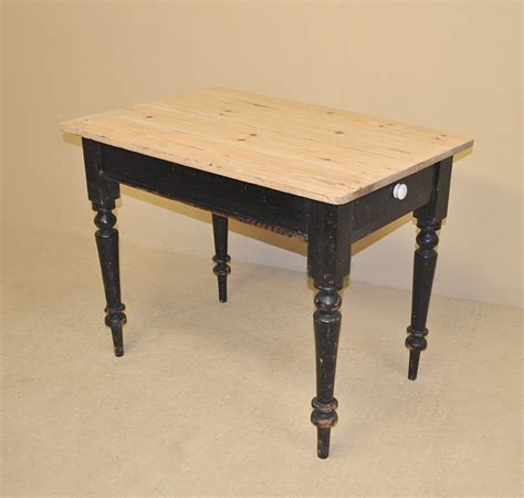 Pine Kitchen Table Small Pine Kitchen Table Antiques Atlas