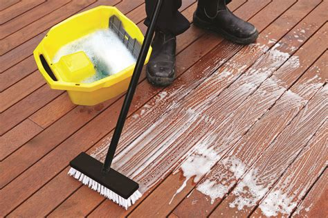 simple steps    deck summer ready