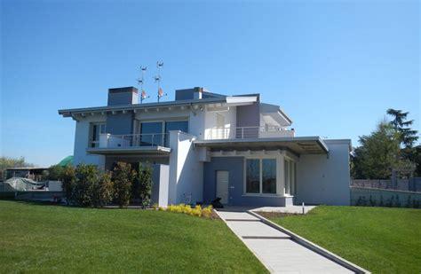 pittura esterno casa great pittura esterna casa colori with pittura esterna