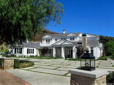kylie jenner new house kylie jenner moves on and moves up check out her stunning new 6m mansion huffpost