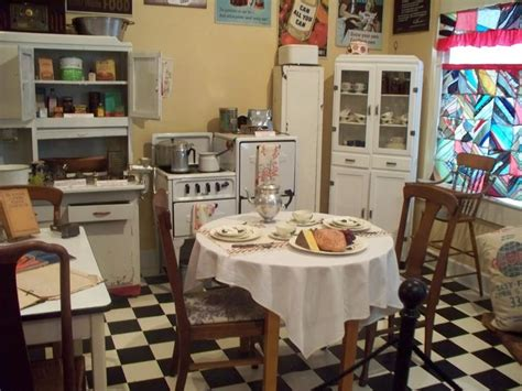 1940s Kitchen Design 1940 S Kitchen 1940 S Style Kitchen Kitchen 1940s Keep In Mind And Style