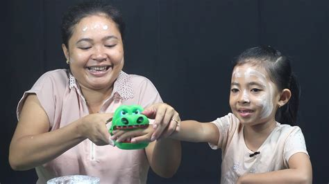 Crocodile Dentist Mainan Gigitan Buaya Gigi Buaya Besar mainan anak crocodile dentist challenge family