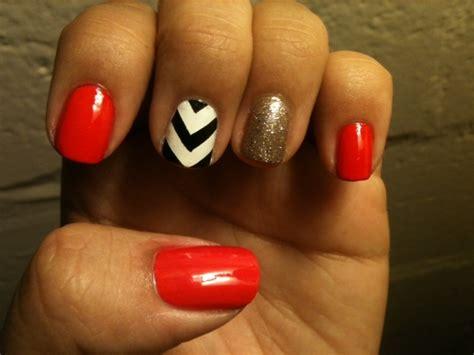 chevron pattern on nails chevron nail tutorial chevron glitter and red polish