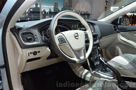 Volvo Upholstery by 2016 Volvo V40 Facelift Geneva Motor Show Live