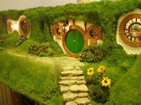 hobbits home amazing hobbit house pictures the wondrous pics