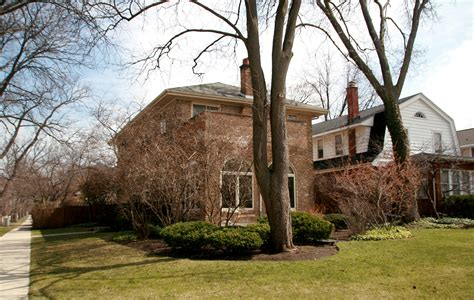 hillary clinton s childhood home growing up in protected americana hillary clinton looked