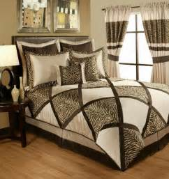4pc lush taupe brown animal print pieced comforter set