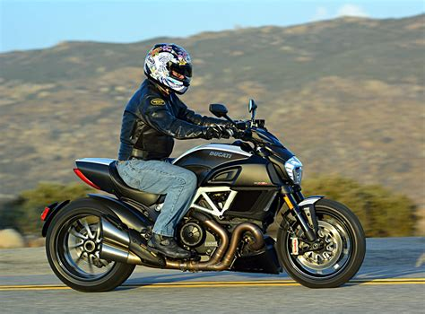2015 Ducati Diavel Carbon: MD Ride Review