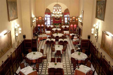 Carnation restaurante la c 250 pula cocina castellana en un entorno