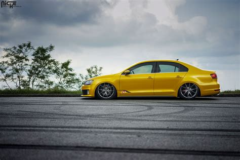 volkswagen gli slammed slammed and styling with this vw jetta gli with niche wheels