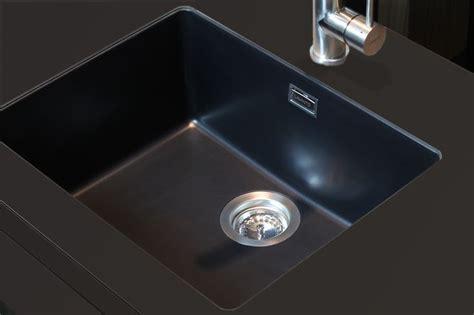 Spoelbak Keuken Zwart by Moderne Spoelbakken Functioneel Krasvast Nieuws