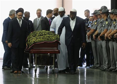 thousands attend muslim funeral for muhammad ali in