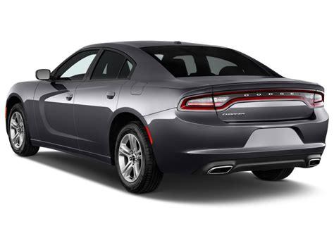 charger cars 2015 dodge charger 4 door sedan se rwd angular rear
