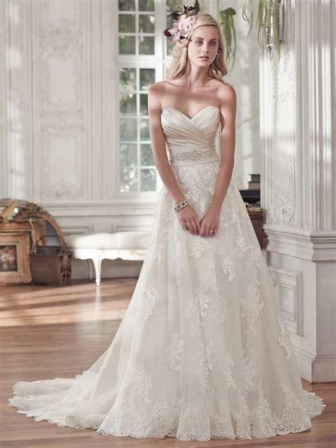 wedding dresses  romantic details modwedding
