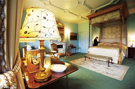 how many bedrooms in highclere castle downton abbey upstairs downstairs at highclere castle