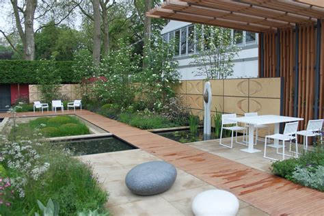 showhome designer manchester chelsea garden show 2013 accent on gold show gardens
