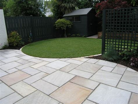 Garden Patio Ideas Uk 25 Best Ideas About Garden Paving On Paving