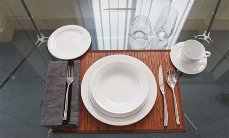 casual table setting how to set a casual dinner table by noritake noritake