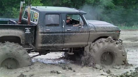 truck mud big green 4 door 4x4 truck mudding