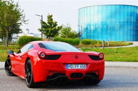 Ferrari Heck by 10 000 Euro Belohnung Vermieter Sucht Geklauten Ferrari