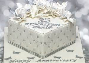 Personalised Vase Anniversary Cakes D Cake Creations
