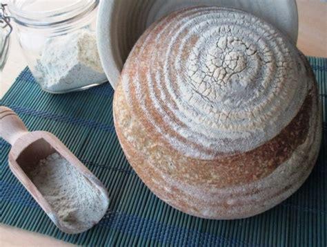 canapé bouche dali pane con farina di canapa e semola dal dolce al salato