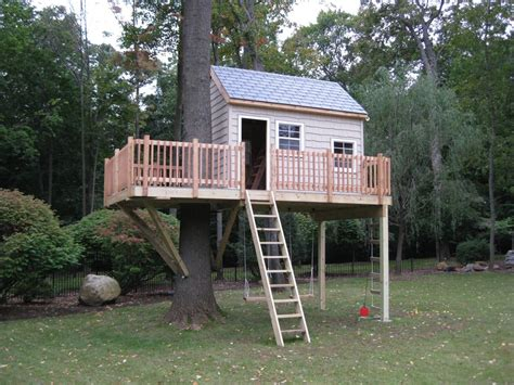 Treehouse For Backyard by 19 Amazing Treehouses That Aren T Just For Porch Advice