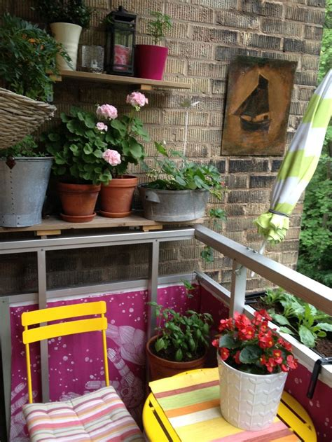 How To Decorate A Small Room by 52 Smart Decorating Ideas For Small Balcony
