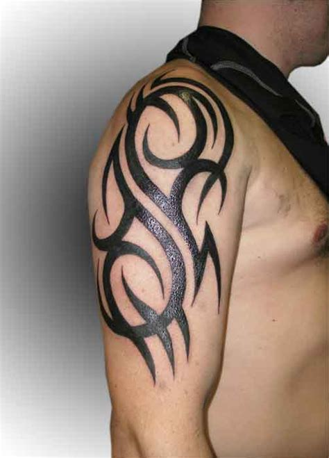 tattoo tribal bovenarm zwart 2 tattooshop bodylanguage