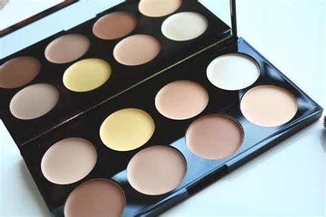 Contour Pallete makeup revolution ultra contour palette review miss and sparkle