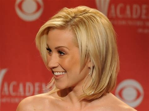 hairstyles layered bob medium length kelli pickler s layered medium length bob medium
