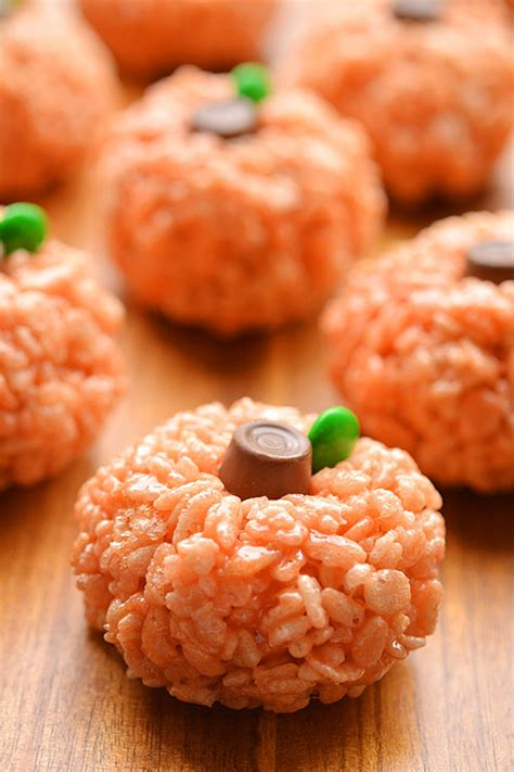 rice krispie treat pumpkins an easy halloween treat idea
