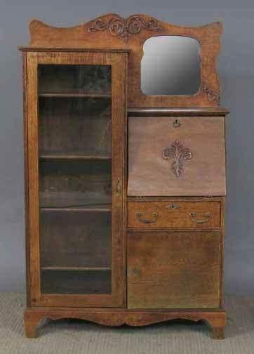 1650 Oak Larkin Desk Lot 1650 Larkin Desk