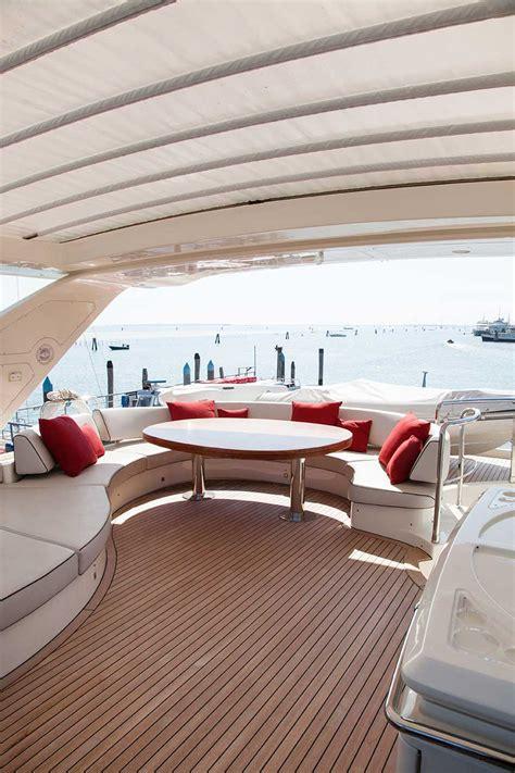 tappezzeria per barche tappezzeria interni yacht hydro mir 242