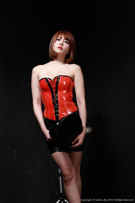 cute korean girls sexy lee mi jung  red latex