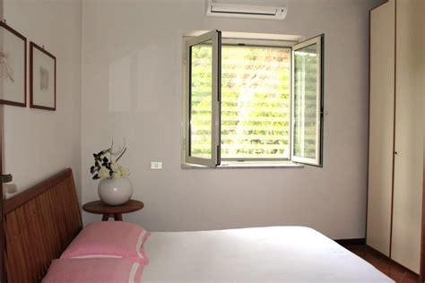 schlafzimmer ehebett villino garten ferienhaus in itri mieten