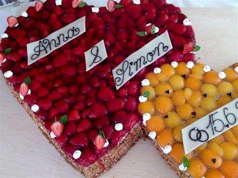 Hochzeitstorte Obst Herz by Hochzeitstorte Frucht Herz Die Besten Momente Der