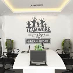 Office Wall Decor by Best 25 Corporate Office Decor Ideas On
