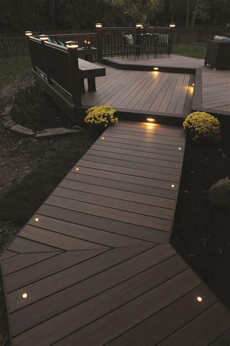 beleuchtung terrasse gartengestaltung licht len weg holzsteg terrasse