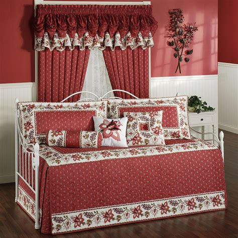 Day Bedding Sets Various Designs Of Daybed To Comfort Your Day Time Homesfeed