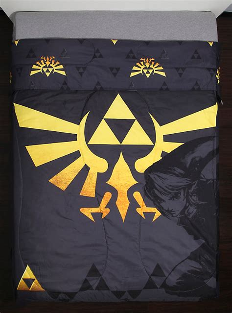legend of zelda bedding the legend of zelda triforce full queen comforter boxlunch